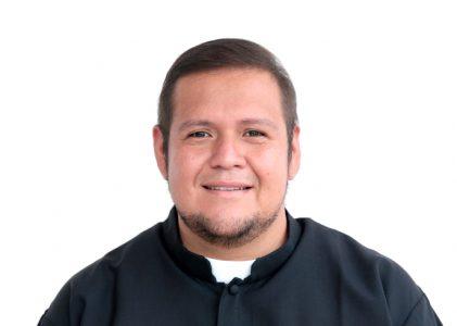 El seminarista misionero César Fernando Hernández Colín es enviado a la Misión de Perú.